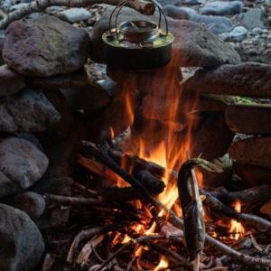 焚き火と野焼きの違い?自宅や河原で焚火&BBQは法律違反!?