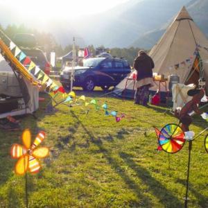 初心者や部屋キャンプにオススメなテントは自立式or非自立式どっち?