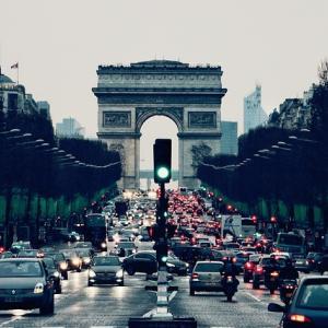 ストライキ中のパリの街の様子