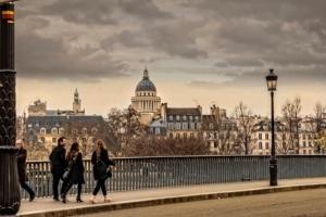 【フランス新型コロナ】パリは警戒最大区域に指定
