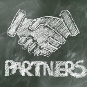 FXで勝てない時は海外FX会社のパートナー契約で稼ごう!