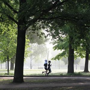 ジョギング習慣:ジョギング中にメモし、学ぶ