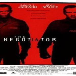 "『The Negotiator』(交渉人)(1998)""交渉人""が汚職事件を暴く……!5分で映画評"