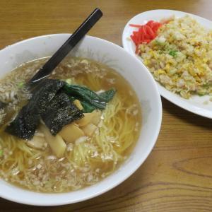 中華工房 笑平 豊富なメニューを提供する中華飯店のお得な半炒飯セット