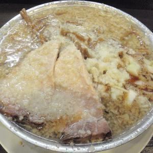 成龍 加茂市で食べられる背脂たっぷりの燕系背脂醤油