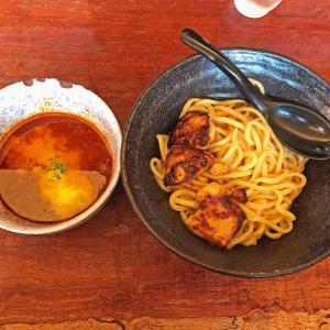 本格バターチキンカレーで太麺を食す:辛麺 真空 町田本店の「雷鳴」