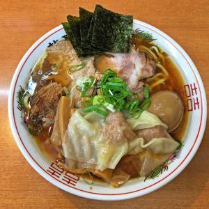 豚と魚介の清湯スープに牛油が絶品:鶴川 龍聖軒