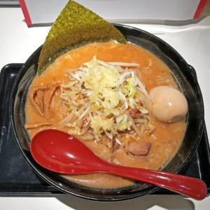 赤味噌と背脂のスープにニンニクが効いたパンチの有る一杯:3SO