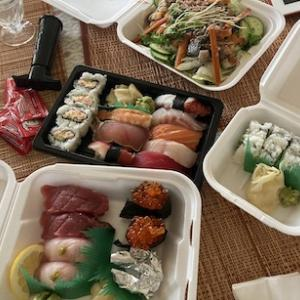 オンライン注文の簡単さで決めたお寿司のテイクアウト