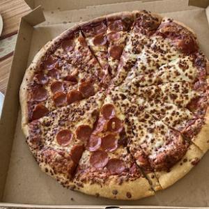 CostCoのピザ、コンボ消えた〜涙