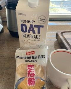 朝ごはんにオーツミルクきな粉