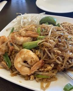ここはアメリカ?!アジアな街でタイ料理