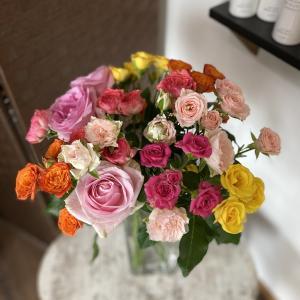 サロンのバラのお花