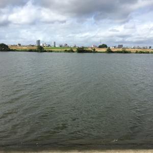 河川でハヤ釣り いい天気ぃ〜
