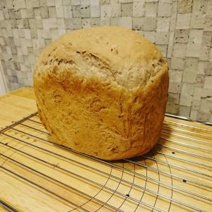 HBのくるみ食パン&手捏ねのくるみパン~ヨーグルト酵母使用