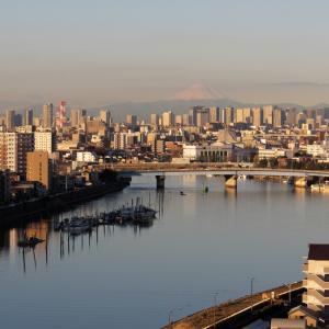 冬の朝の富士山と筑波山