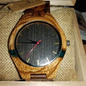 ヤフオクで久しぶりに時計を落札しました。