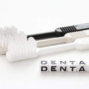 口内過敏と歯科矯正
