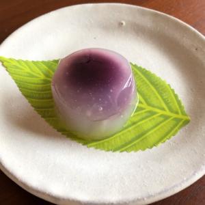 """紫芋あんの """"水まんじゅう""""を。"""