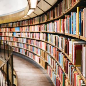 たまご堂の本棚は、なくなりますが…。
