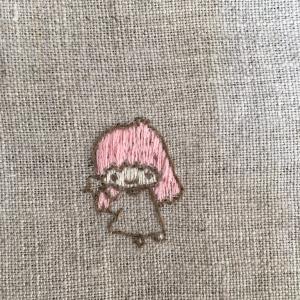 キキララ刺繍つづき