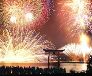 2019年宮島水中花火大会はいつ?何時から? 混雑予想とおすすめ穴場スポット!