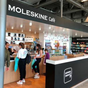 ジュネーブ空港に「モレスキンカフェ(MOLESKINE cafe)」発見