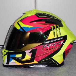 DUCATI 999S/ヘルメットにスポイラー取り付け