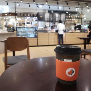 LOUISA COFFEE (路易莎咖啡) バンコク1号店 アマリンプラザM階