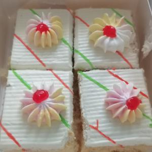 頂き物  プチケーキ