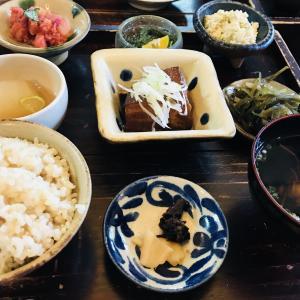 【3泊4日子連れ沖縄旅行】沖縄中部で食べたい食事と日航アリビラルームサービスまとめ