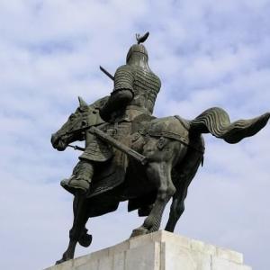 慶州 ファンソン公園の金庾信(キム・ユシン)将軍像