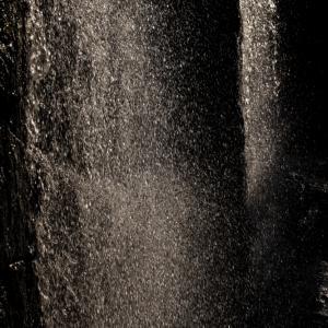 473歩 シャッタースピードを変えてみる 水滴 編