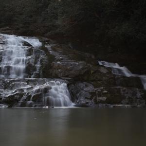 48歩 曇りの日に滝を撮る 編