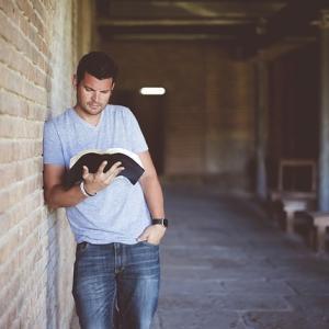 読書は成功への近道である【成功者は皆、読書をする。その理由と効果が出る読書の方法について。】