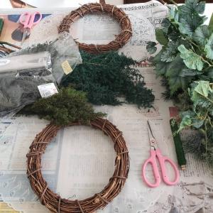まるで作りながら森林浴!ブリザーブドフラワーのクリスマスリース