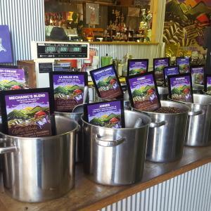 ケアンズ郊外にあるコーヒー屋さんへ行ってきました!!~Coffee Works~編