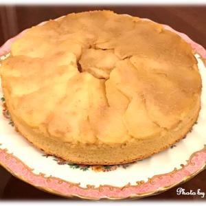 アップルキャラメルケーキと英国アンティーク