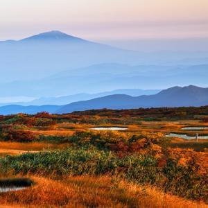 紅葉と出羽富士 / Mt.Chokai with Autumn colors