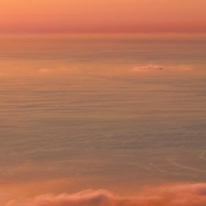 黄昏時の海 / The golden sea at dusk