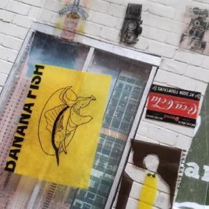 【ミニチュア小物】人気の透明トレカを活用して透明なポスターを作る