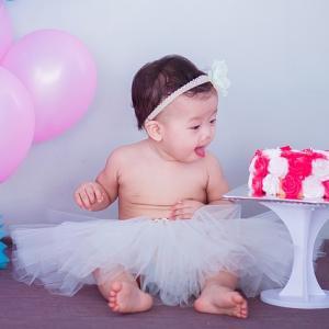 新定番!1歳のお誕生日にスマッシュケーキをしてみませんか?