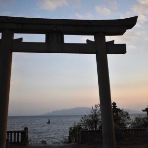 海岸沿いの神社