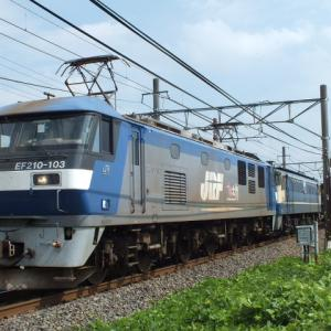 5085列車に国鉄色が繋がってました!