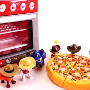 【犬猫動物動画まとめ】Puppy Dog Pals ROLLY Disney Jr. Eats Mcdonald's Happy Meal, Cash Register Moana Elsa Paw Patrol Toys