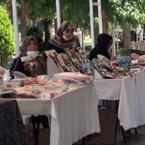 【犬猫動物動画まとめ】Şanlıurfa'da kadın emeği pazarı yeniden açıldı
