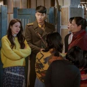 韓国ドラマ「愛の不時着」を観て女性達が「北朝鮮に行きたい」とか言い出してしまう!