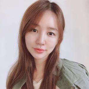 【画像2枚】女優『ユン・ウネ』インスタ更新!「今日は良い日」