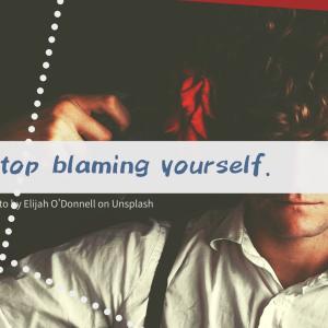 自分を責める原因は「決めつけ」―過去を振り返れば見えてくる