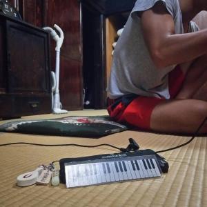 ストリートピアノで都道府県を巡る青年♪